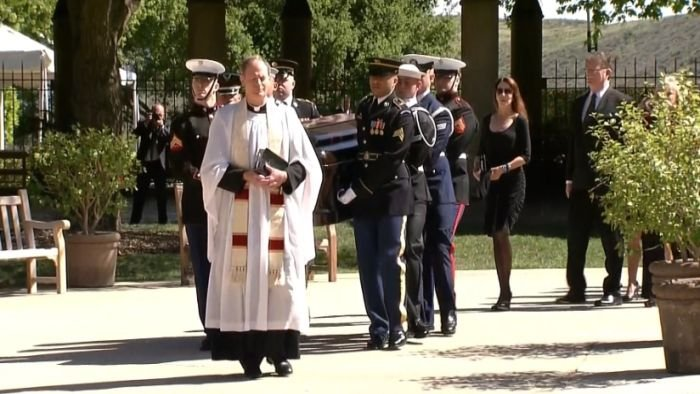 Mourners Honor Nancy Reagan as She Begins Journey to Husband's Side