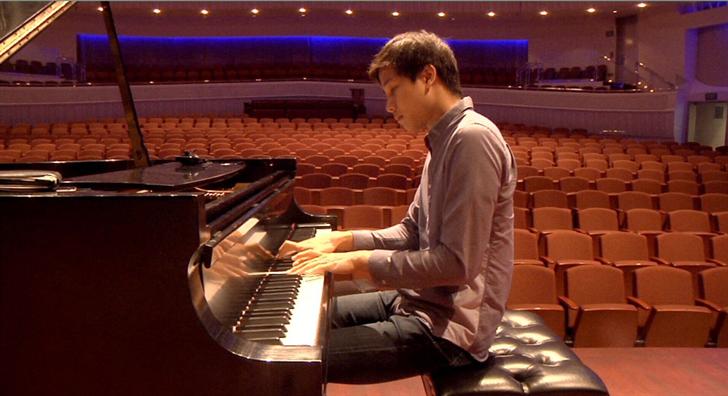 Pianist Steven Lin