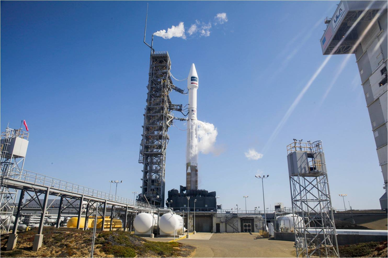 Air Force base wildfire postpones hi-res satellite launch