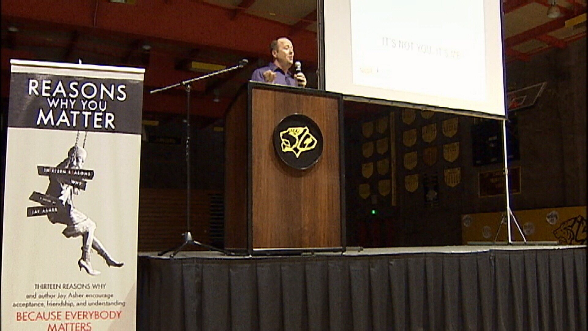Author Jay Asher speaks to students about suicide prevention. (KSBY photo)