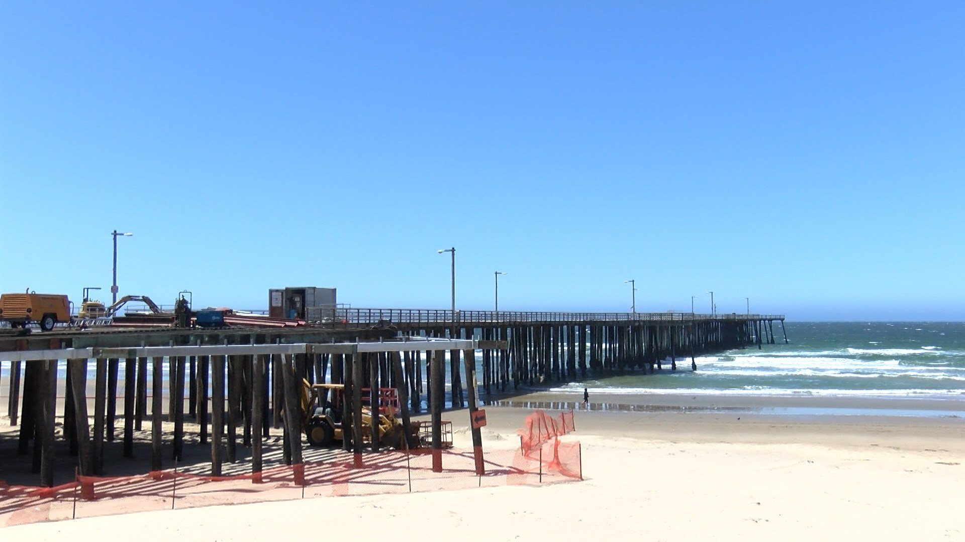 Renovations underway at the Pismo Beach Pier. (KSBY photo)