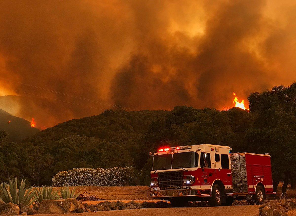 The Whittier Fire Saturday. (Photo: Mike Eliason/SB Co. Fire)