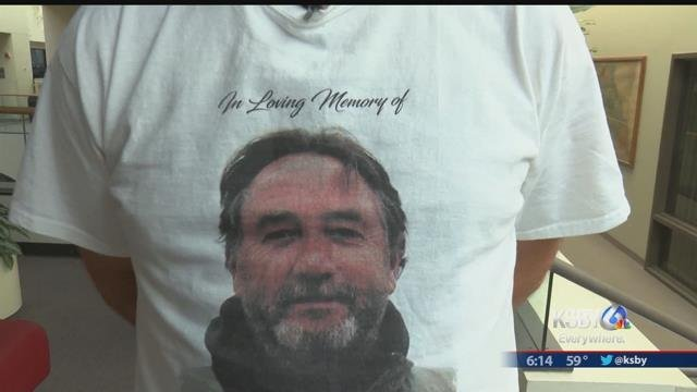 David Fear is pictured on a courtroom spectator's T-shirt (KSBY)