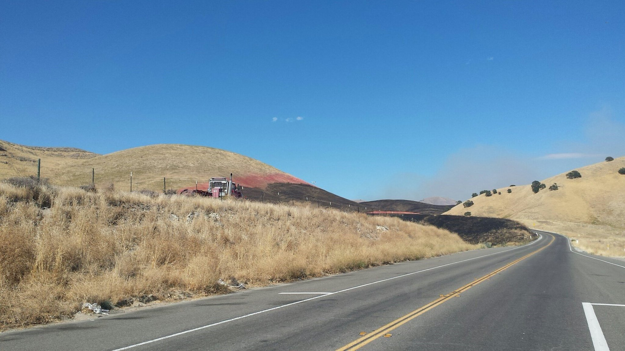 Olive Fire on Highway 41. (Photo courtesy CAL FIRE SLO)