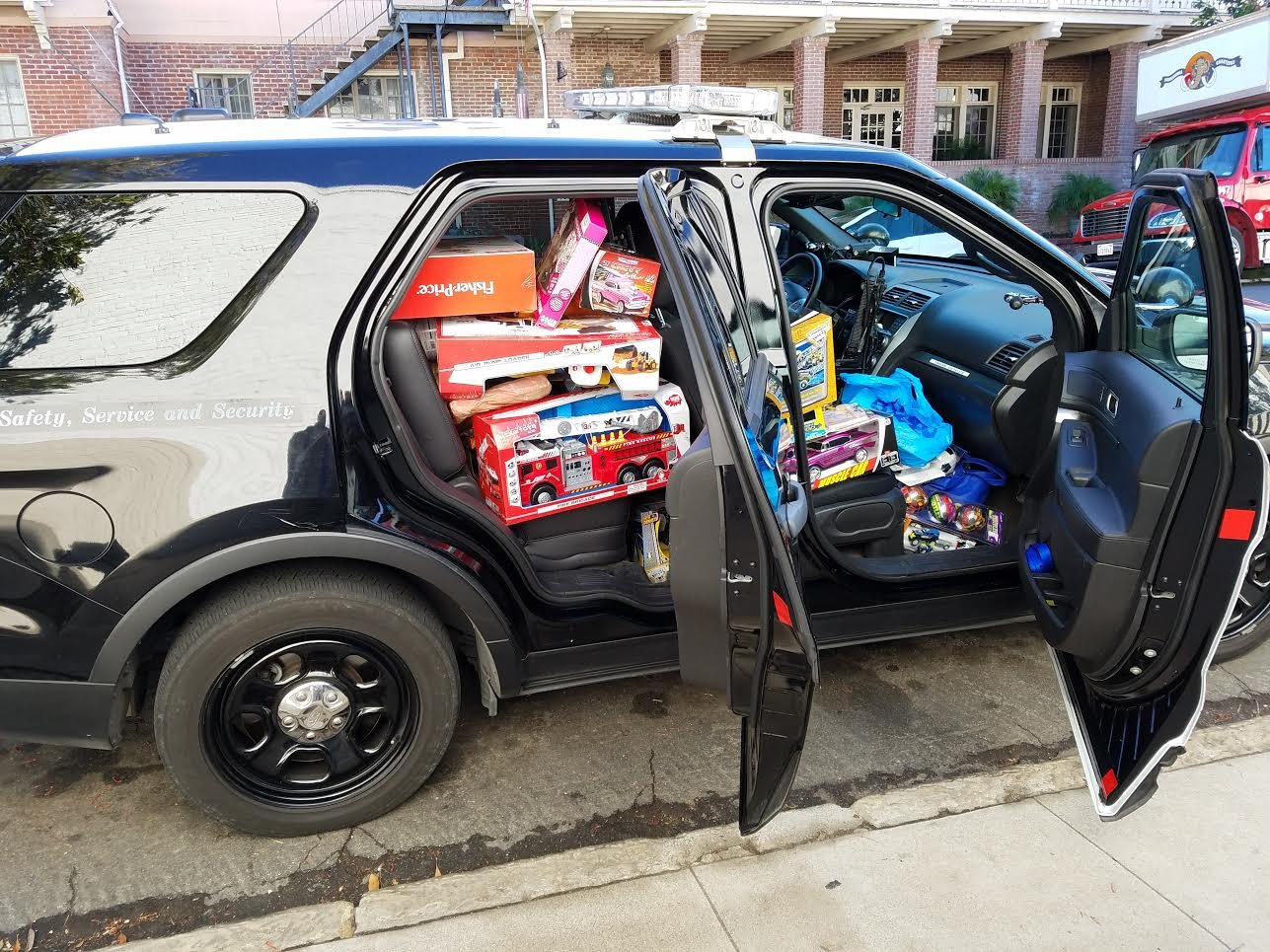 chp distributes hundreds of donated toys in santa barbara ksby