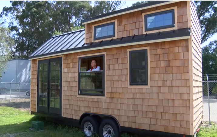 Living small on the central coast the tiny house movement for Tiny house santa barbara